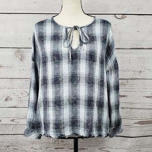Cloth & Stone plaid keyhole frayed hem flowy shirt